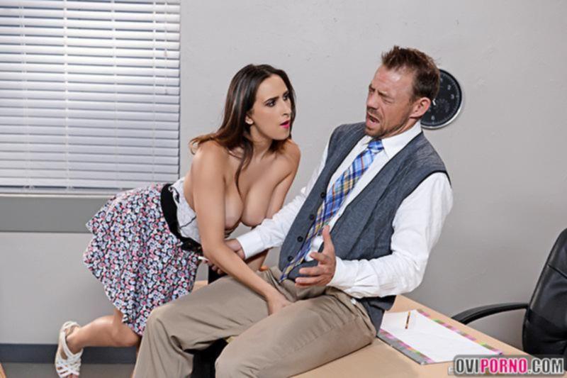 Молоденькая студентка трахнула учителя
