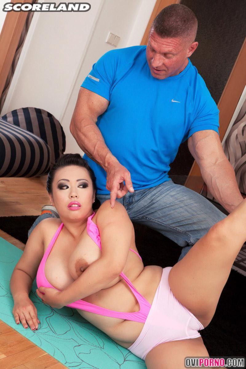 Секс с пухлой азиаткой