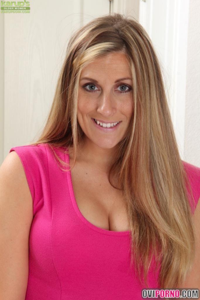 Сексуальная зрелая женщина Kate Lynn