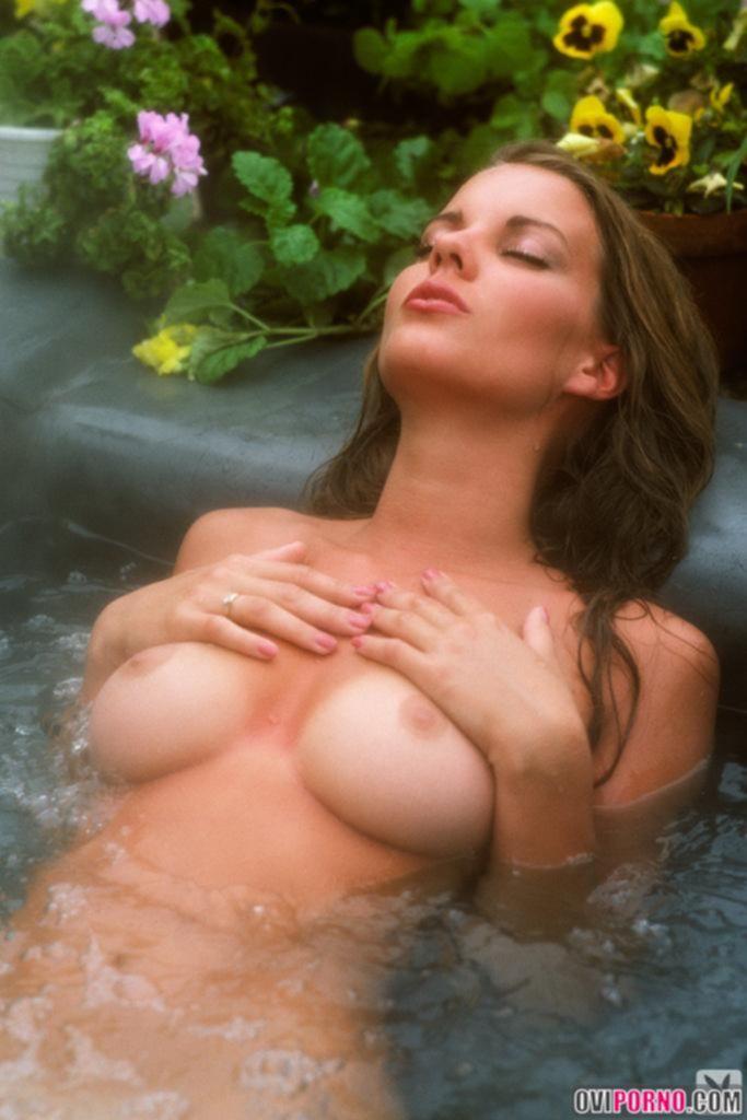 Красотка Lisa Welch