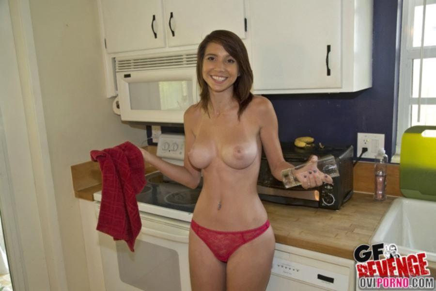 Отпорол сучку на кухне