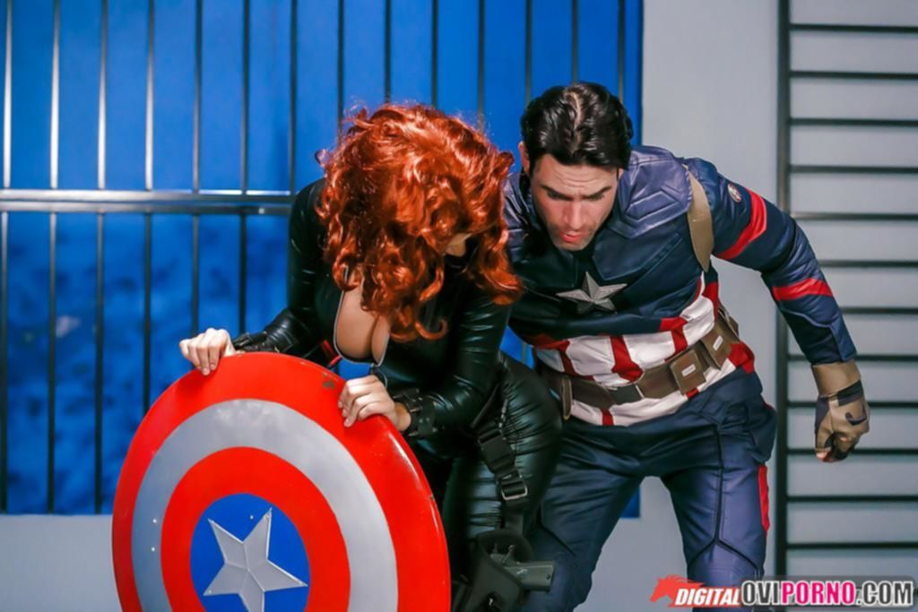 Секс с Капитаном Америка