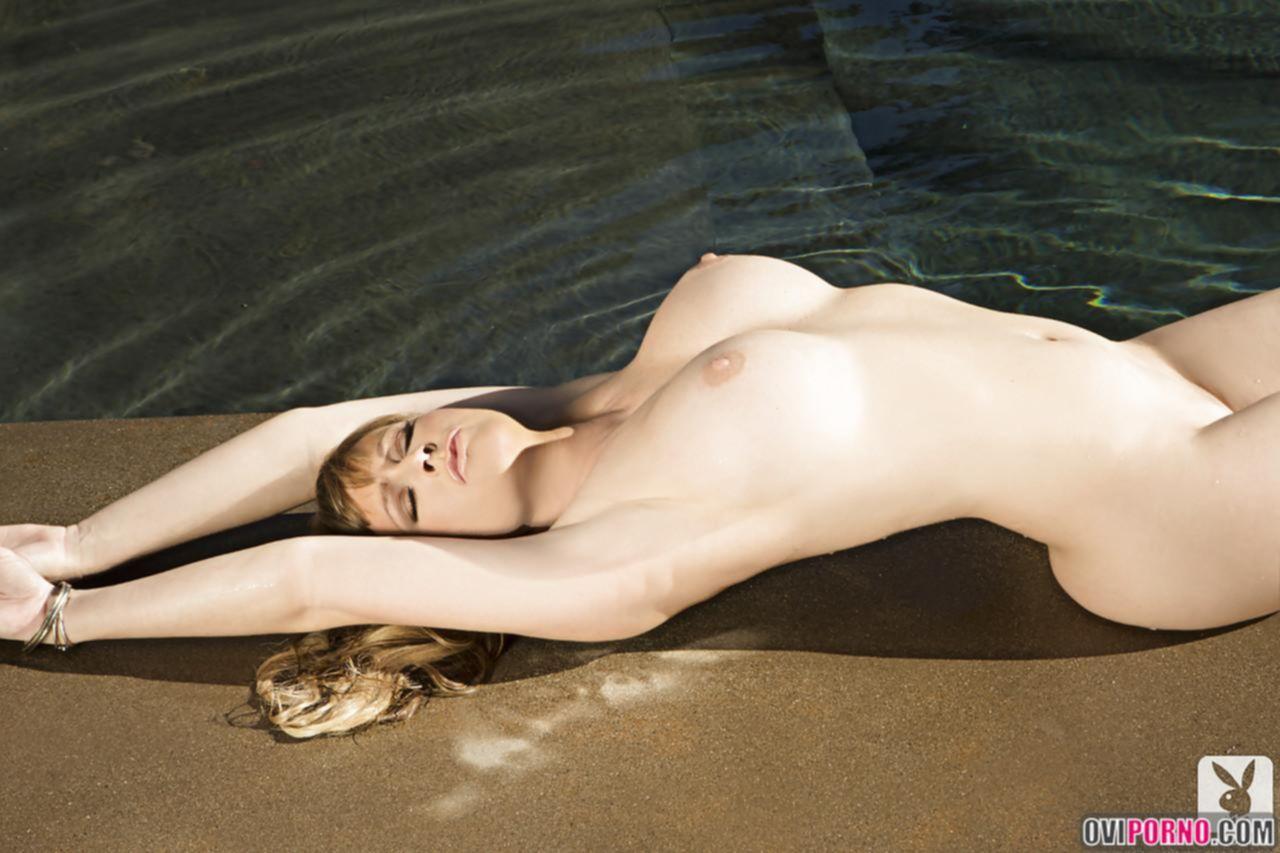 Прекрасное тело Katie Lohmann